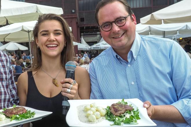 Eröffnung der Gourmetmeile Metropole Ruhr auf Zollverein v.r.n.l : Oberbürgermeister Thomas Kufen, Sängerin Tiffany Aris undRainer Bierwirth , Initiator / Vorstand ESSEN GENIESSEN e.V.