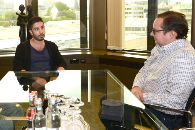 Oberbürgermeister Thomas Kufen im Gespräch mit Ali Can und Reinhard Wiesemann