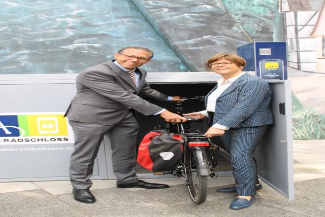 Einweihung der neuen Fahrradboxen