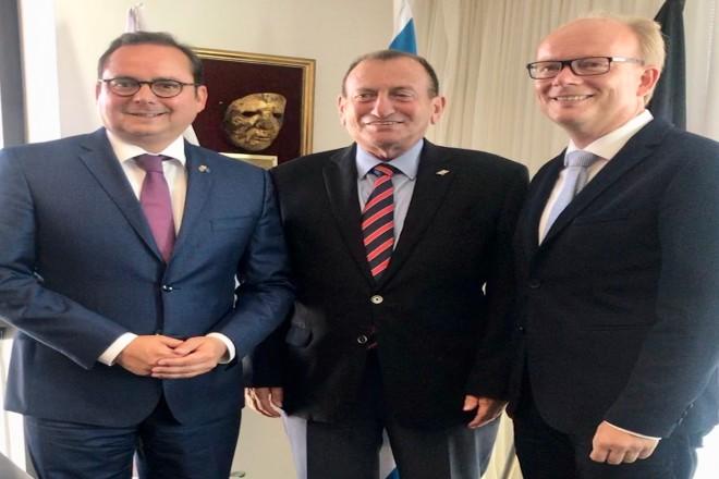 Oberbürgermeister Thomas Kufen trifft Ron Huldai, Bürgermeister der Stadt Tel Aviv. Das Treffen wird begleitet von NRW-Landtagspräsident André Kuper