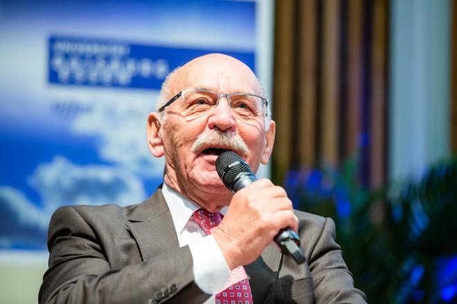 Bürgermeister Rudolf Jelinek begrüßte die neuen Erstsemester-Studierenden der Universität Duisburg-Essen
