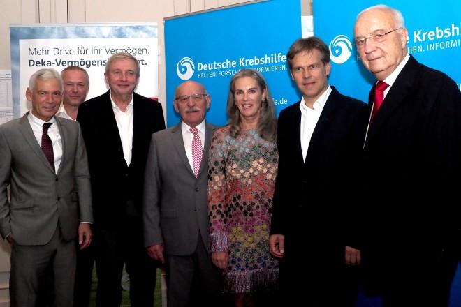 Bürgermeister Rudolf Jelinek (4.v.l.) beim Empfang zum Endspiel der 37. bundesweiten Golf-Wettspiele zugunsten der Deutschen Krebshilfe.