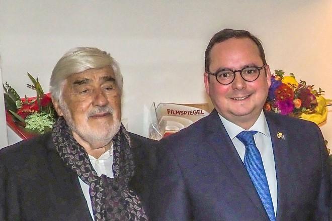 Feier zum 90-jährigen Jubiläum der Lichtburg v.l.n.r : Wim Wenders, Mario Adorf, Oberbürgermeister Thomas Kufen, Marianne Menze und Christoph Ott.