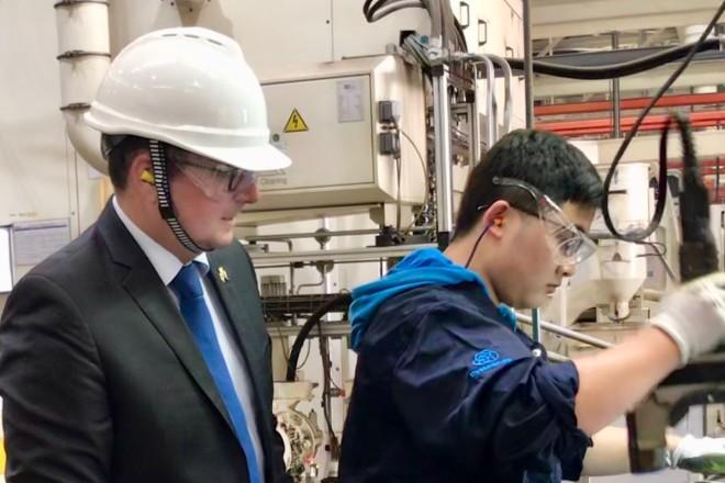 Oberbürgermeister Thomas Kufen besucht ThyssenKrupp