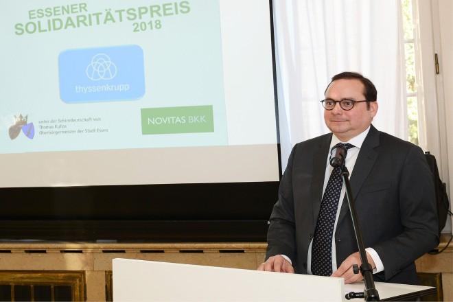 Oberbürgermeister Thomas Kufen spricht als Schirmherr bei der Verleihung des Essener Solidaritätspreis 2018