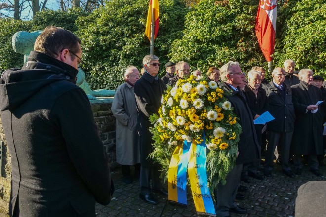 VDK Gedenkveranstaltung auf dem Südwest- Friedhof mit Oberbürgermeister Thomas Kufen.