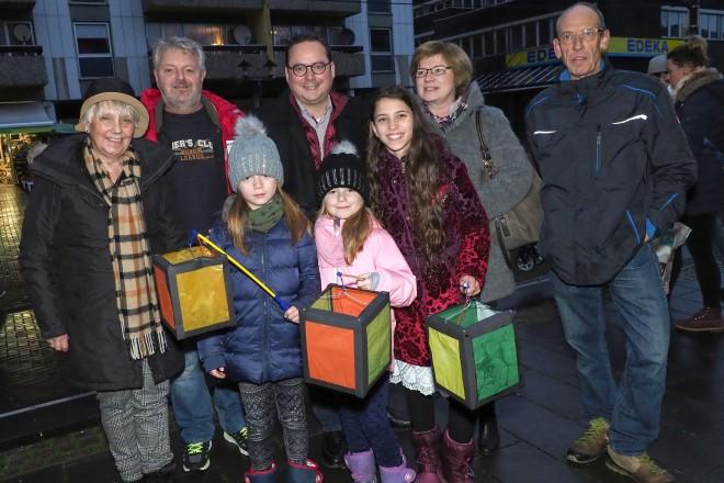Oberbürgermeister Thomas Kufen besucht den 24.Borbecker Weihnachtsmarkt-Tag