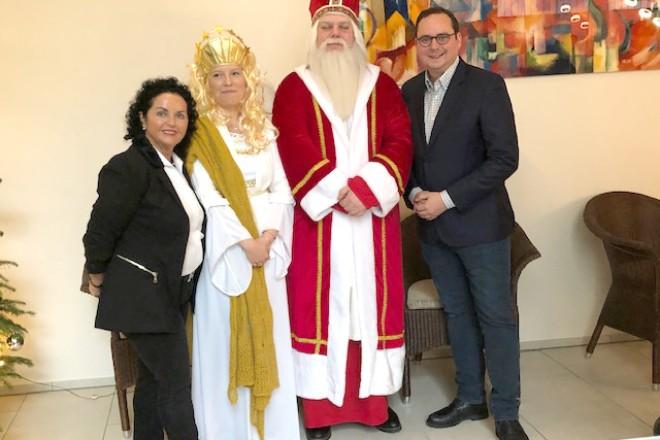 Oberbürgermeister Thomas Kufen besucht den Wintertraum in der Nova Vita Residenz