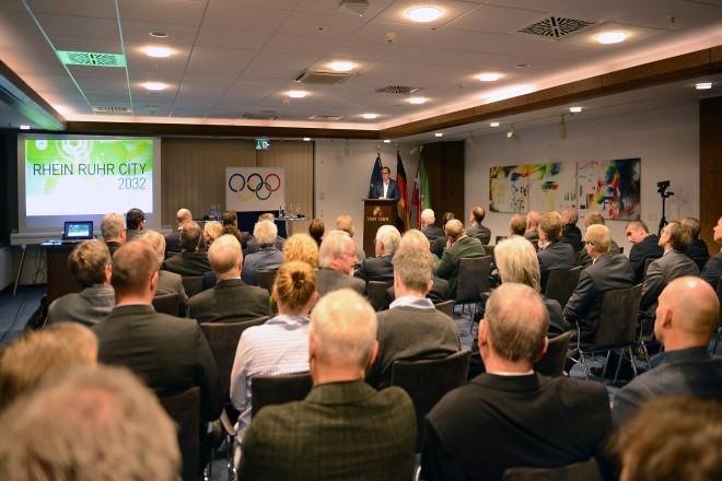 """Informationsaustausch zur Olympia-Initiative """"Rhein Ruhr City 2032"""""""