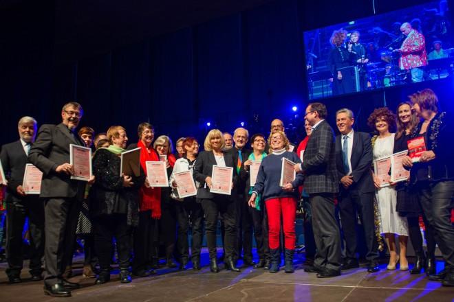 Oberbürgermeister Thomas Kufen besucht das Weihnachtssingen in der Grugahalle