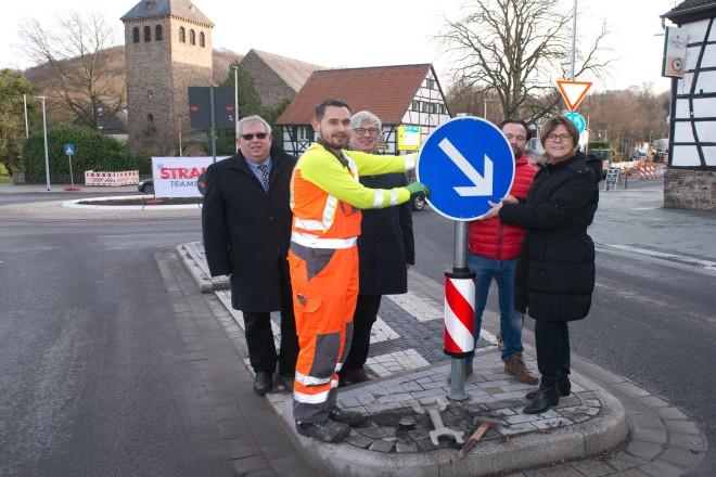 Der neue Kreisverkehr in Kettwig kann nun genutzt werden