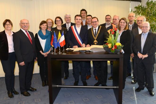 Empfang mit Stahlbucheintragung anlässlich des 40-jährigen Bestehens der Städtepartnerschaft mit Grenoble