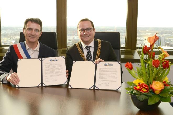 40 Jahre Partnerschaft der Städte Essen- Grenoble Oberbürgermeister Thomas Kufen und Bürgermeister Eric Piolle aus Grenoble