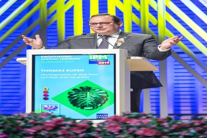 Oberbürgermeister Thomas Kufen am Rednerpult