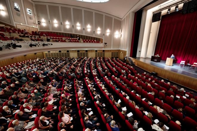 Feierstunde in der Lichtburg anlässlich der 100 Jahrfeier der VHS