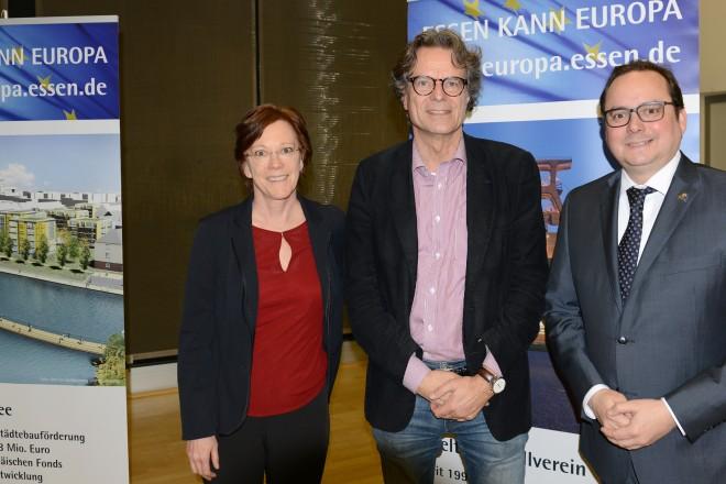 Essen kann Europa v.r.n.l : Oberbürgermeister Thomas Kufen, Ralph Sina, Leider WDR- Studio Brüssel und Petra Thetard, Stabsstelle Internationale Beziehungen