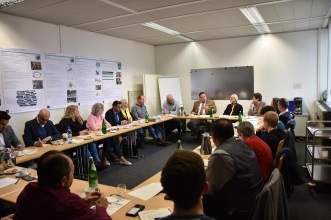 Europaparlamentarier Romeo Franz besuchte Kommunalen Integrationszentrum Essen.