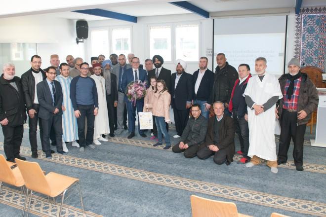 Foto: Oberbürgermeister Thomas Kufen zu Gast bei der Gemeinschaft des muslimischen Faruq e.V.