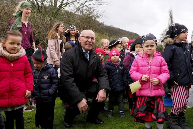 Foto: 1. Bürgermeister Rudolf Jelinek zu Besuch bei der Feier.