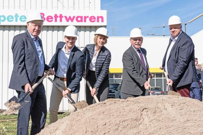 Spatenstich zum neuen Nahversorgungszentrum in Essen- Schönebeck