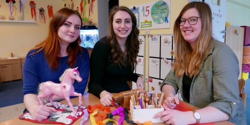 Haben im FSJ ihren Weg gefunden (v.l.n.r.): Ekaterina Shchukina, Laura Rüter und Marie Gehrig absolvierten in drei Generationen das Freiwillige Soziale Jahr bei der Jugendhilfe Essen.