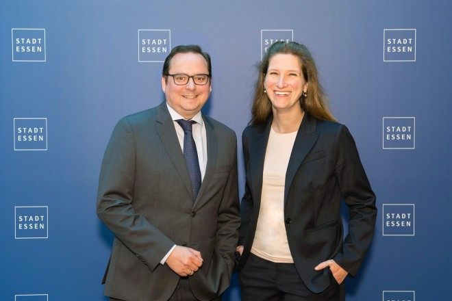 Foto: Oberbürgermeister Thomas Kufen begrüßt die neue U.S. Generalkonsulin in Düsseldorf Fiona Evans bei Ihrem Besuch in Essen.