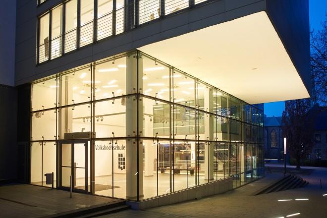 Wo Kunst zum Menschen geht - 15 Jahre NEUE GALERIE der Volkshochschule Essen 2004 bis 2019