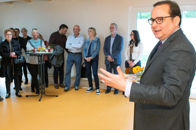 Foto: Oberbürgermeister Thomas Kufen zu Besuch in der Einrichtung.