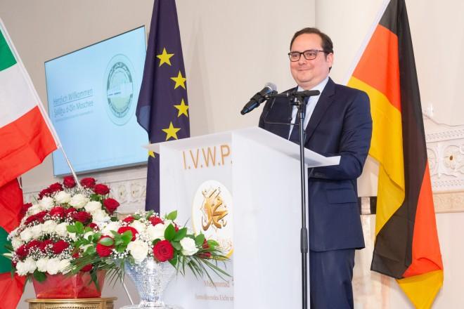 Foto: Oberbürgermeister Thomas Kufen bei der feierlichen Eröffnung.