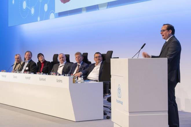 Foto: Oberbürgermeister Thomas Kufen bei der Konzernbetriebsrätekonferenz von ThyssenKrupp.