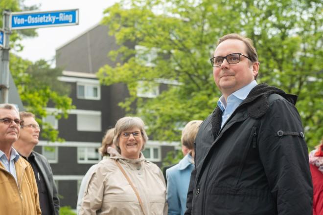 Foto: Oberbürgermeister Thomas Kufen besichtigt den Stadtteil.