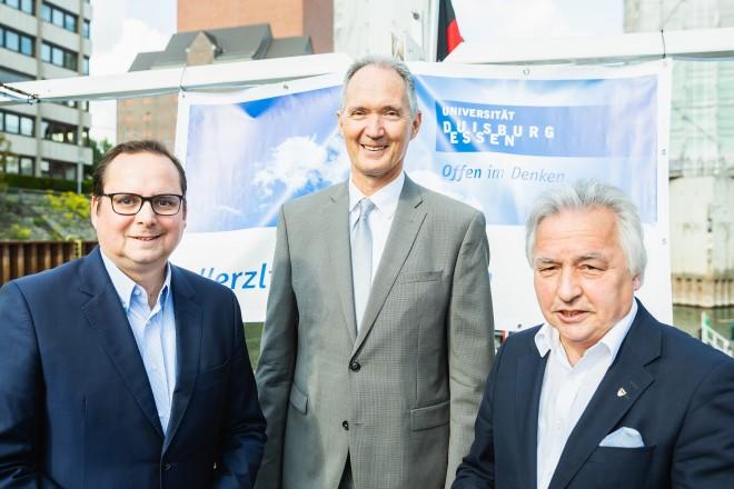 Neuberufenen Empfang der Universität Duisburg/ Essen v.l. Oberbürgermeister Thomas Kufen, UDE-Professor Dr. Ulrich Radtke , Bürgermeister Volker Mosblech