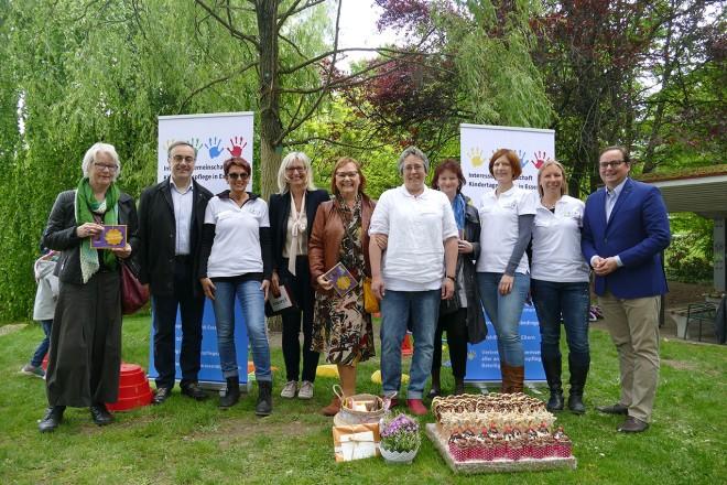 Oberbürgermeister Thomas Kufen besucht das Fest anläßlich des 10. Geburtstag der Interessengemeinschaft Kindertagespflege in Essen e.V.