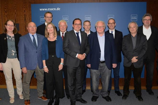 Oberbürgermeister Thomas Kufen begrüßt den neuen Vorstand des Historischen Verein