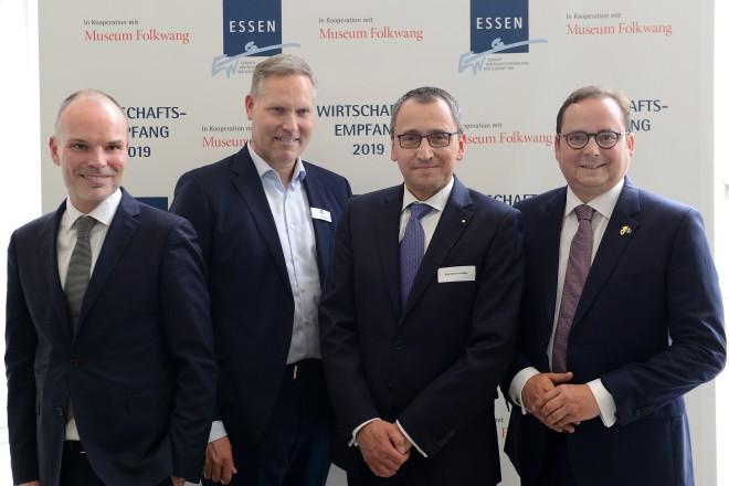 EWG- Wirtschaftsempfang v.r.n.l: Oberbürgermeister Thomas Kufen, Prof. Werner Klaffke, Andre Boschem und Peter Gorschlüter