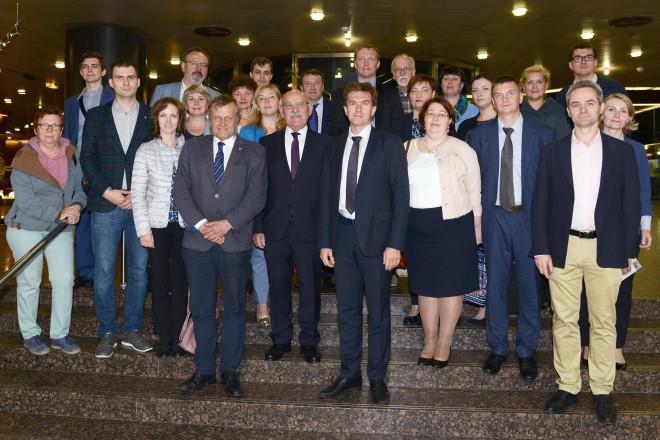 Bürgermeister Rudolf Jelinek begrüßt Mediziner aus Nishni Nowgorod.