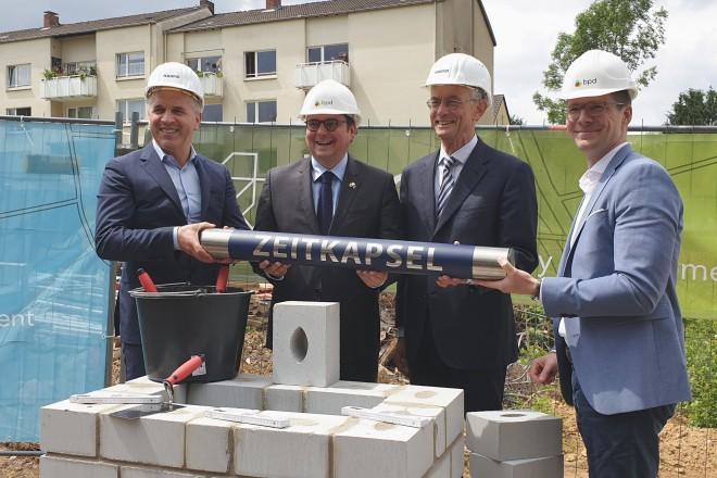 Foto: von links nach rechts: Harfid Hadrovic, Thomas Kufen, Hans-Jürgen Best und Joachim Siepmann