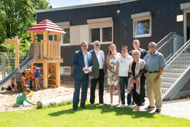 Foto: Oberbürgermeister Thomas Kufen besucht die neueröffnete Kita im Bürgerhaus Oststadt in Friesenbruch.