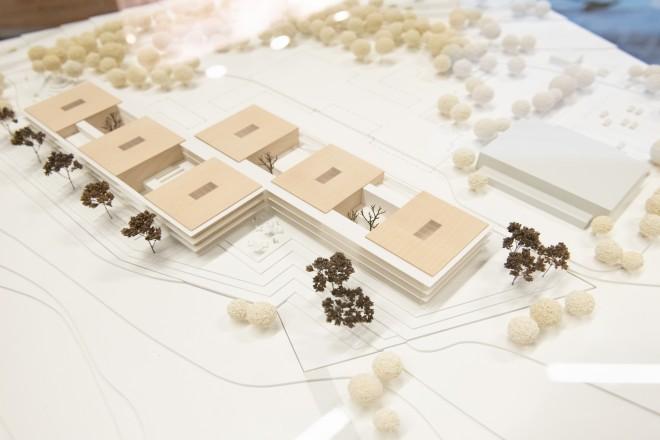 Foto: Wettbewerbsausstellung zum Neubau des Gymnasiums Nord-Ost. Das Model des Gewinnerentwurfs (Firma agn).