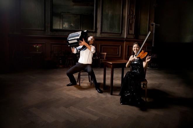 Ensemble Duo ViA!: Harald Oeler und Sinn Yang.