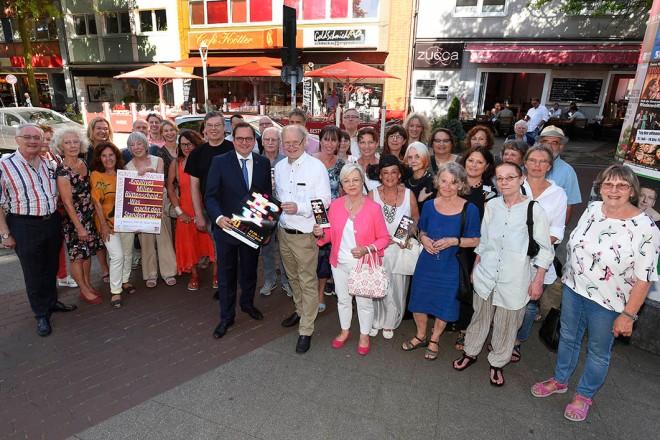 Oberbürgermeister Thomas Kufen eröffnet die Rüttenscheider Kunstmeile
