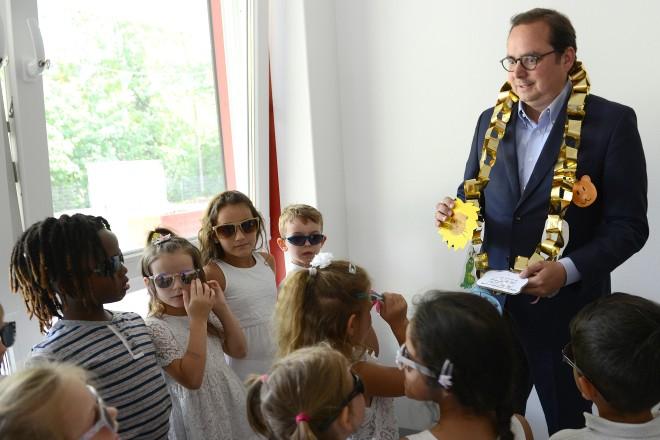 Oberbürgermeister Thomas Kufen eröffnet den Erweiterungsbau der Kita Stauderstraße.