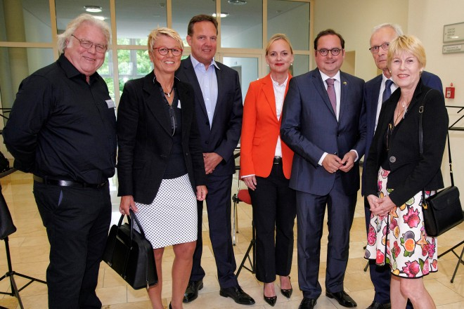 Oberbürgermeister Thomas Kufen begrüßt die Ehrengäste beim Benefiz- Konzert des European Doctors Orchestra
