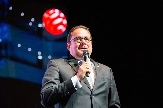 Oberbürgermeister Thomas Kufen eröffnete die Red Dot-Gala im Aalto-Theater Essen.