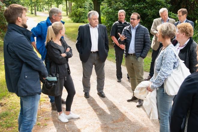 Foto: Bürgerdialog Altenessen-Süd. Oberbürgermeister Thomas Kufen zu Besuch im Stadtteil.