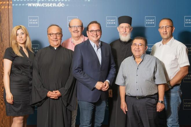Foto: Syrischorthodoxe Kirchengruppe zu Gast bei Oberbürgermeister Thomas Kufen.