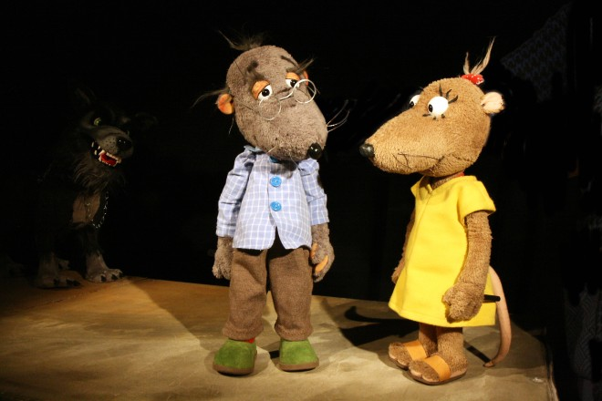 Das Figurentheater Marmelock macht mit den Rattenkindern Eliot und Isabella einen Ausflug in die Gruga.