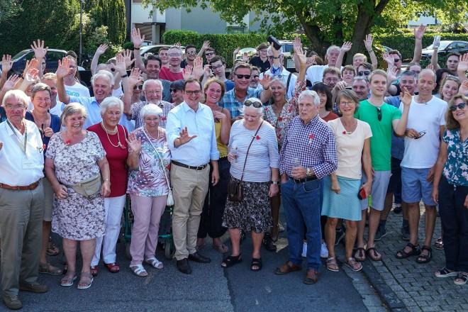 Foto: Oberbürgermeister Thomas Kufen auf dem Nachbarschaftsfest Herbrüggenbusch.