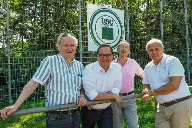 Foto: Sommerfest des DjK Rüttenscheider Sportclub Essen e.V. im Walpurgistal mit Dr. Rolf Krane (IGR), Oberbürgermeister Thomas Kufen, Klaus Klaus Meißner (1. Vors. RSC) und Wolfgang Rohrberg (ESPO)