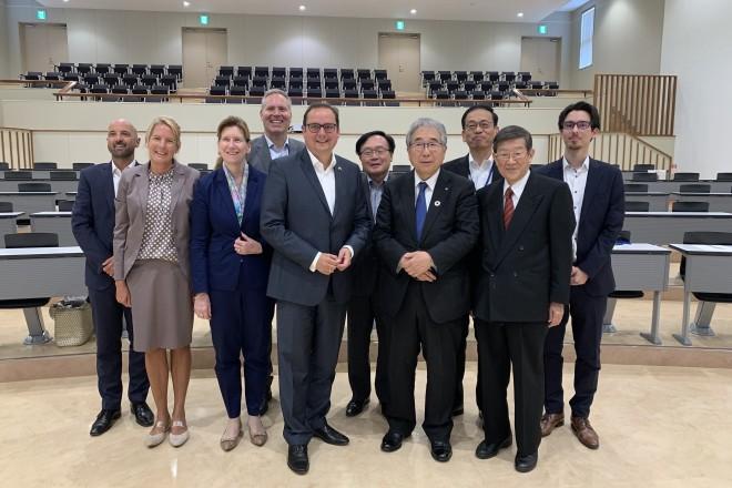 Foto: Die Essener Delagation rund um Oberbürgermeister Thomas Kufen zu Besuch in Japan